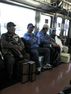電車で決勝に行く朝